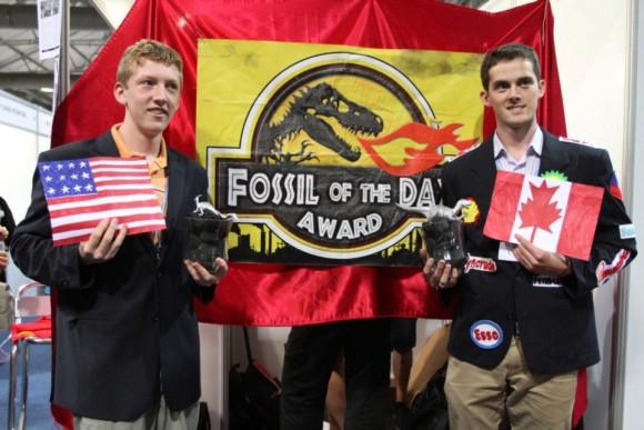 Utdelning av Fossil of the Day-priset till USA och Kanada under COP17 i Durban.