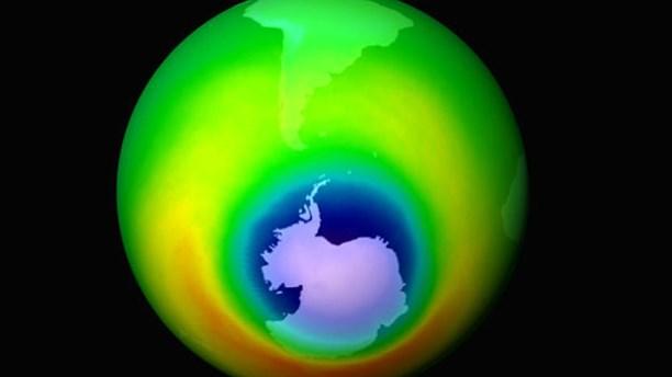 Uttunnat ozonskikt över Antarktis 1999. Bild: NASA/TT