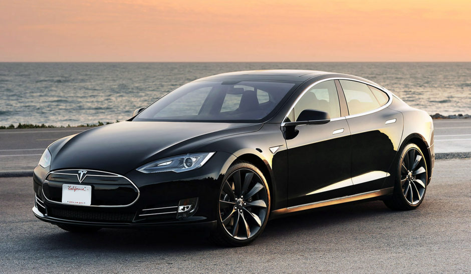 "Teslas elbil kallad ""Model S"". Källa: Wikimedia"