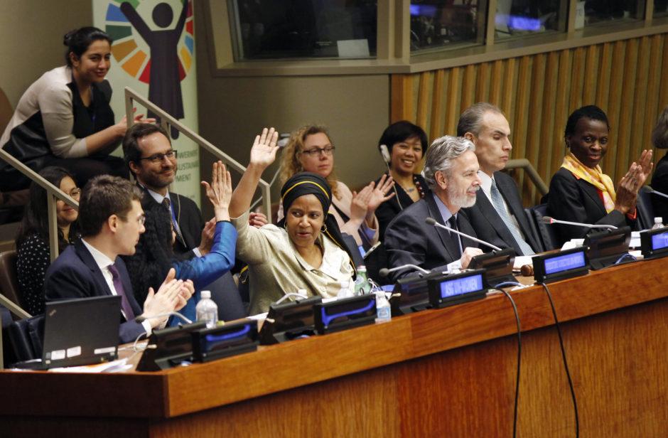 FNs Kvinnokommission (CSW) uppmanar länder att genomföra Agenda 2030 på ett genusmedvetet sätt. Bild: UN Women/Ryan Brown (CC BY-NC-ND 2.0)